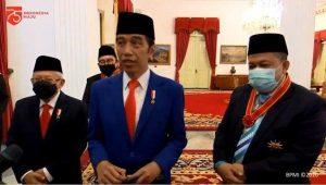 Jokowi Berikan Tanda Kehormatan Kepada Sejumlah Tokoh Termasuk Fahri dan Fadli, Ini Daftarnya