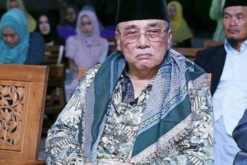 Innalillahi, Pengasuh PP Al-Falah Ploso Kediri KH Mun'im Djazuli Wafat
