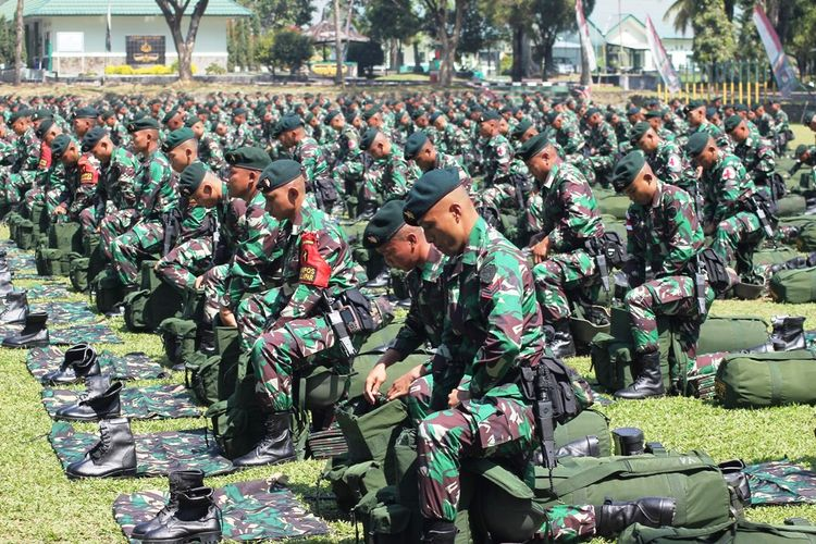Jokowi Teken PP Pertahanan Negara, Komponen Cadangan dari Sipil Bisa Dapat Pangkat Militer